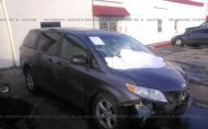 2011 TOYOTA SIENNA LE #1290116388