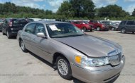 2002 LINCOLN TOWN CAR SIGNATURE #1376560255