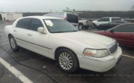 2004 LINCOLN TOWN CAR ULTIMATE #1492651726