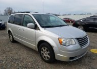 2010 CHRYSLER TOWN & COU #1604118649