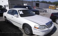 2003 LINCOLN TOWN CAR SIGNATURE #1352928644