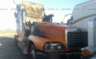 2004 FREIGHTLINER CONVENTIONAL ST120 #1501607121