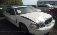 2007 LINCOLN TOWN CAR SIGNATURE LIMITED #1613936077