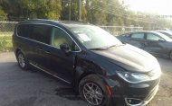 2020 CHRYSLER PACIFICA TOURING L #1636905947